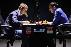 Магнус Карлсен и Виши Ананд на матче в Сочи