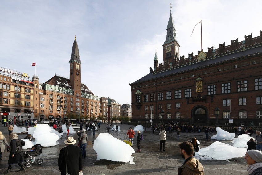 Датские художники протестуют против изменения климата