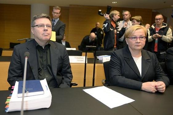 Яри Аарнио и его адвокат