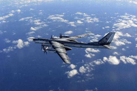 Фото с истребителя Королевских ВВС, сделанное в октябре 2014 года, когда ТУ-95 находился рядом с воздушным пространством Великобритании
