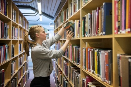 В шведских учебниках по истории не упоминаются женские имена