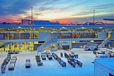 Вечер в аэропорту Хельсинки