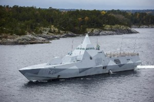 Шведский корвет Visby патрулирует Стокгольмский архипелаг