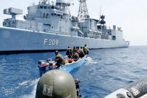 Сомалийские пираты, захваченные силами НАТО