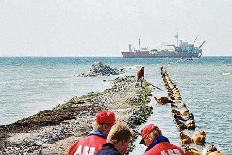 Работы по прокладке подводного кабеля между Швецией и Германией