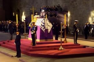 Прощание с королевой-матерью, 2001 год
