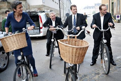 Датские министры на велосипедах