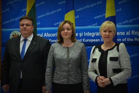 Министры иностранных дел Литвы, Молдовы и Швеции (Линас Линкявичюс, Наталья Герман и Маргот Вальстрём)
