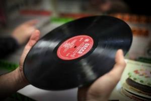 Один из синглов обширной музыкальной коллекции мистера Сивьера