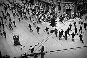 Полиция Копенгагена разгоняет забастовку в округе Нёрребро, 1944 г.
