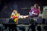 Дэйв Грол сломал ногу на концерте Foo Fighters в Швеции