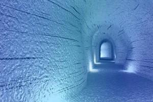 Ледяная пещера IceCave в леднике Langjokull, Исландия