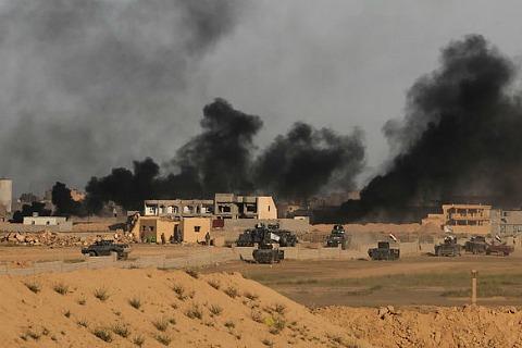Иракские войска атакуют позиции боевиков Исламского государства