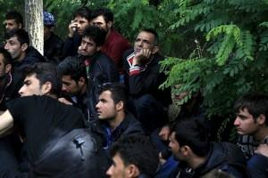 Группа мигрантов из Ирака, задержанных на венгерской границе