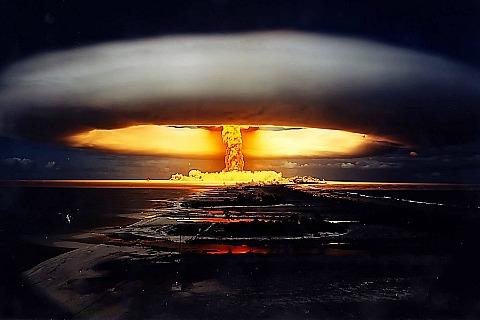 Ядерный взрыв в представлении художника
