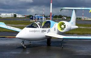 Первый в мире электросамолет Airbus E-Fan (фото)
