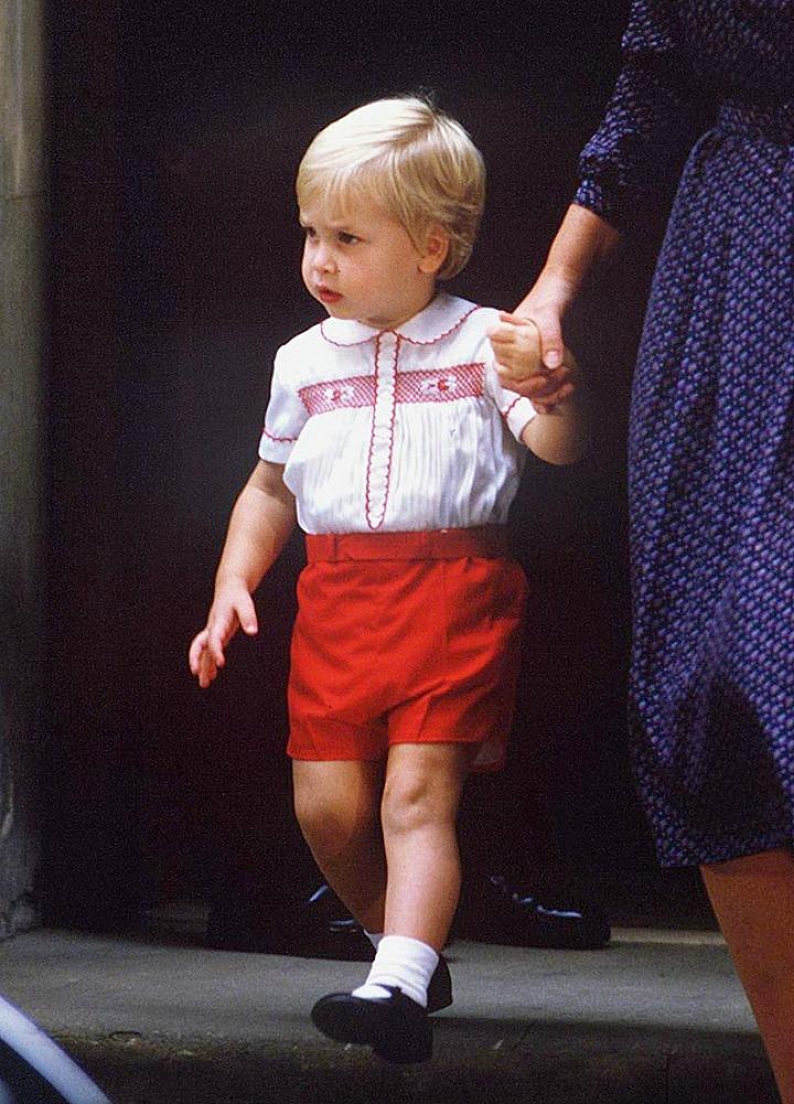 Принц Уильям в 1984 году на приеме по случаю рождения принца Гарри