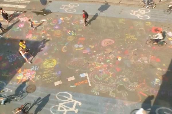 Рисунки мелом на асфальте в Копенгагене