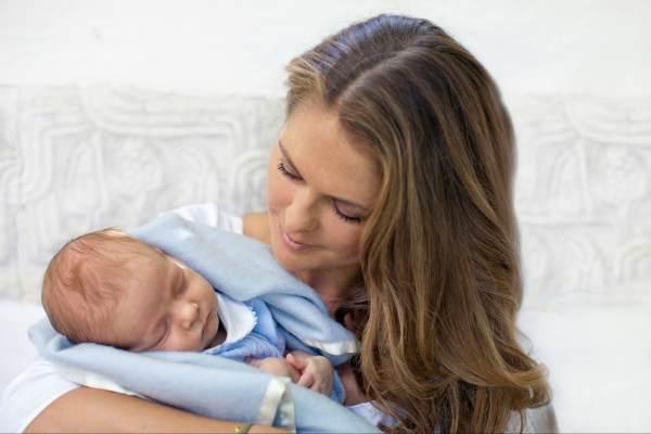 Принцесса Мадлен и ее сын принц Николас Пауль Густав
