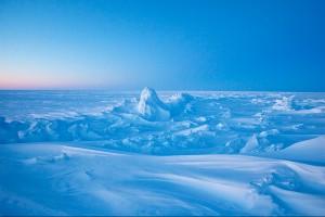 Бескрайний ландшафт Северного полюса может стать российским владением