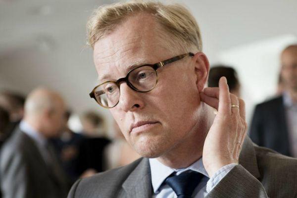 Бывший министр обороны Дании Карл Холст