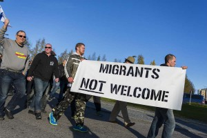 Анти-миграционные протестующие на митинге в приграничном городе Торнио между Швецией и Финляндией