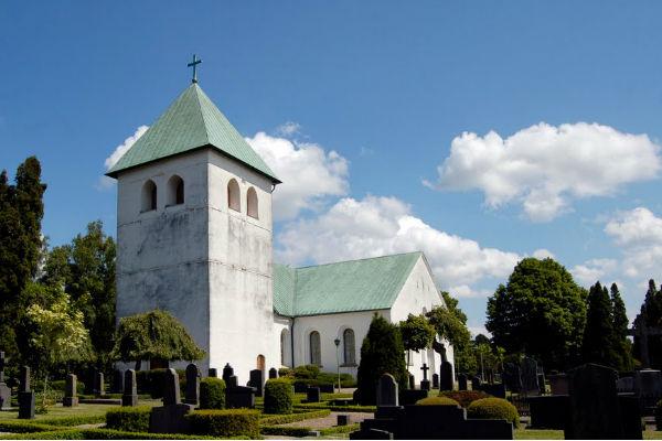 Церковь в Мунка Льюнгбю