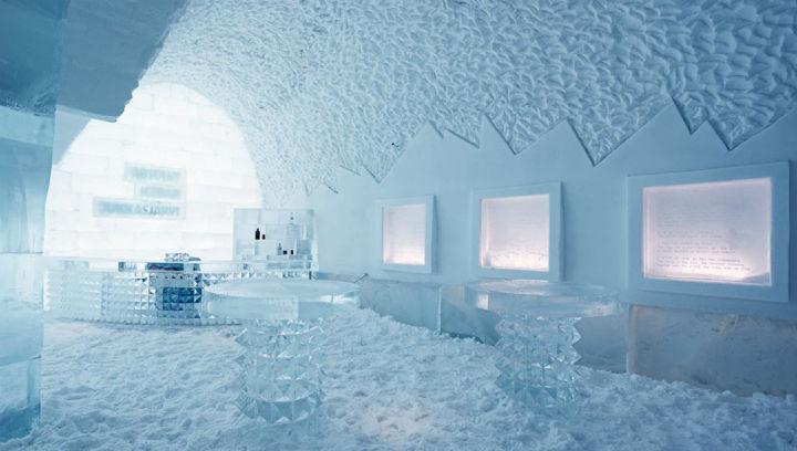 Ледяной бар в Ледяном отеле