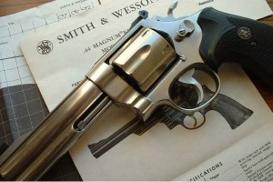 Револьвер Smith & Wesson