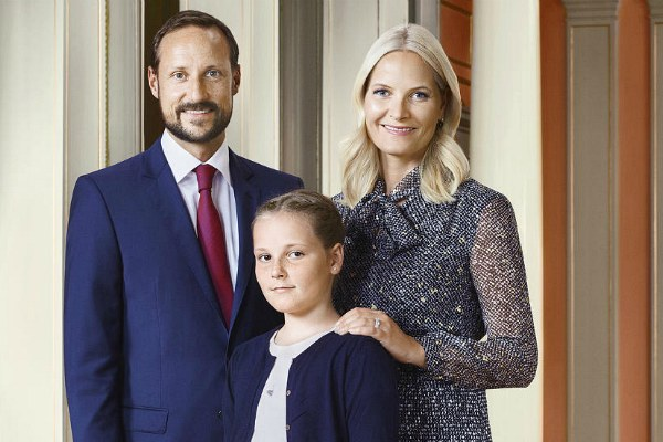 Принцесса Ингрид Александра с родителями