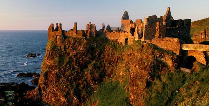 Замок Данлюс (Северная Ирландия)