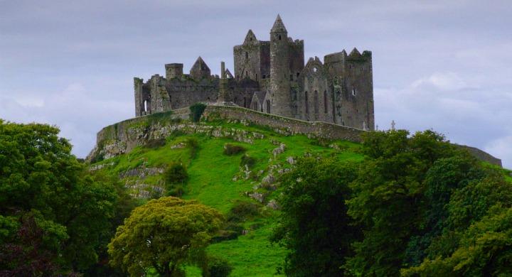 Скала Кашел (Ирландия)