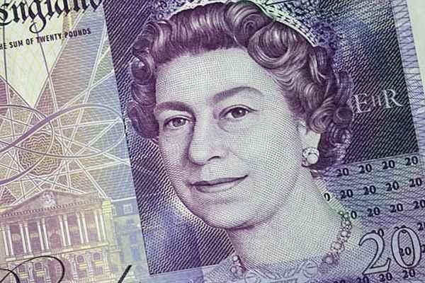 Портрет Королевы Елизаветы II на 20-фунтовой банкноте