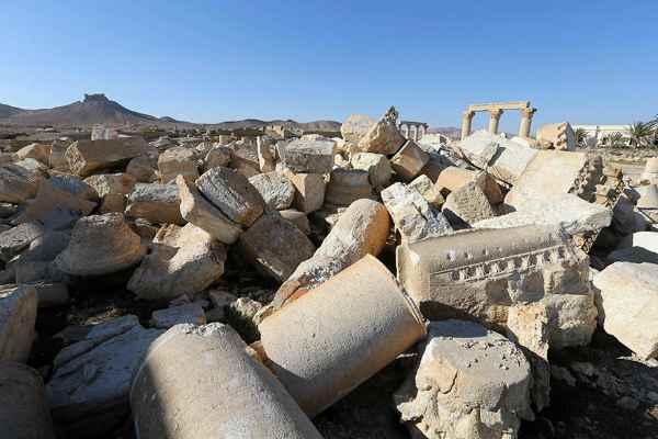 Руины сирийского города пальмира, пострадавшего от действий джихадистских группировок