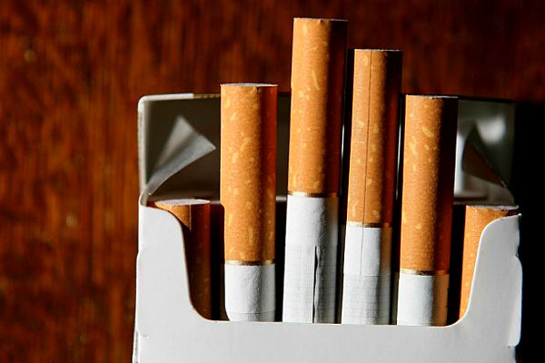 Великобритания поднимает цены на сигареты до 40 долларов за пачку