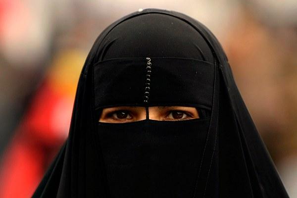 Датский образовательный центр объяснил запрет ношения хиджаба